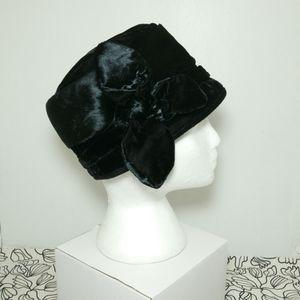 Vintage velvet-y hat